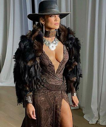 Jennifer Lopez: Η ρουτίνα προετοιμασίας πριν τις εμφανίσεις της στο κόκκινο χαλί