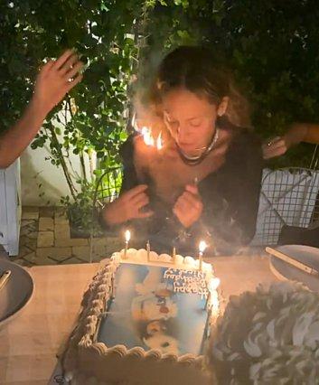 Nicole Richie: Η απίθανη στιγμή που πήραν φωτιά τα μαλλιά της [video]