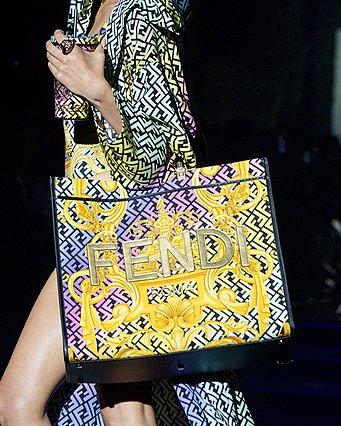 Η κοινή επίδειξη Fendi και Versace έγινε και γεννήθηκε η «Fendace»