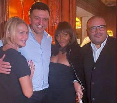 Ο Βασίλης Κικίλιας ανάμεσα στην Τζένη Μπαλατσινού και τη Naomi Campbell - Η ανάρτηση του top model
