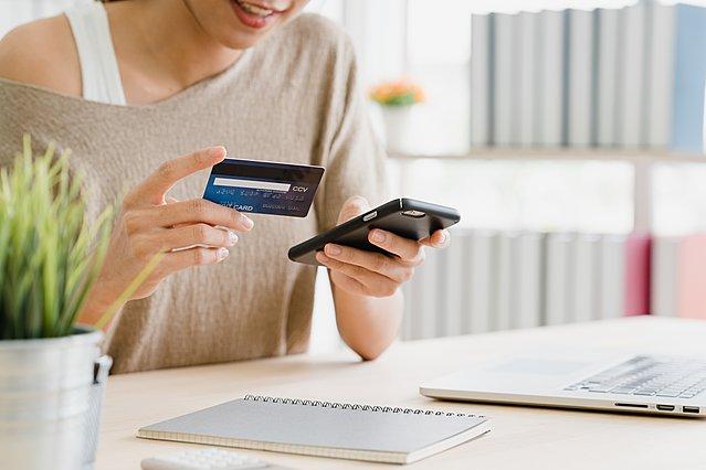 Πώς να καταλάβεις αν μια προσφορά σου εξοικονομεί πραγματικά χρήματα