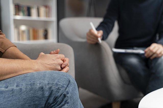 Όσα πρέπει να γνωρίζεις πριν από το πρώτο σου ραντεβού σε ψυχολόγο
